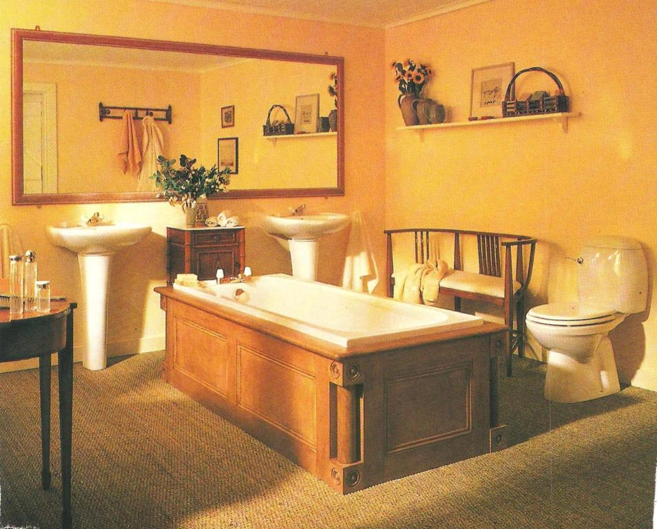 Edwin lutyens style arts crafts movement bathroom design - Arts and crafts style bathroom design ...