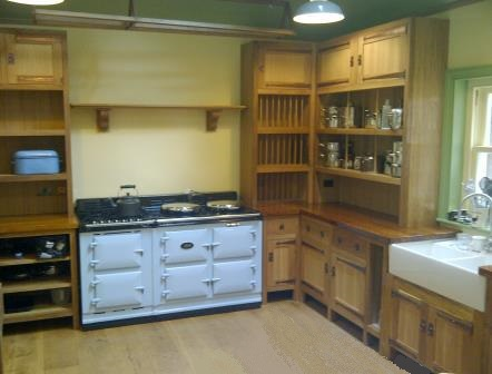 New Arts And Crafts Movement Oak Ed Uned Kitchen Furniture