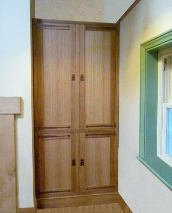 William Morris & Co. Arts & Crafts Movement & Gothic Revival bedroom ...