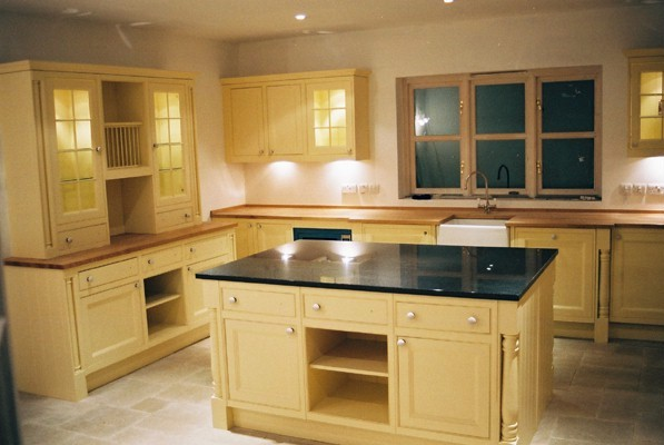 Cream kitchen island unit for Fitted kitchen cabinets