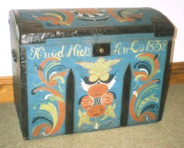 ... Norwegian Scandinavian seveteenth century style painted 'Rosemalling'  folk chest furniture