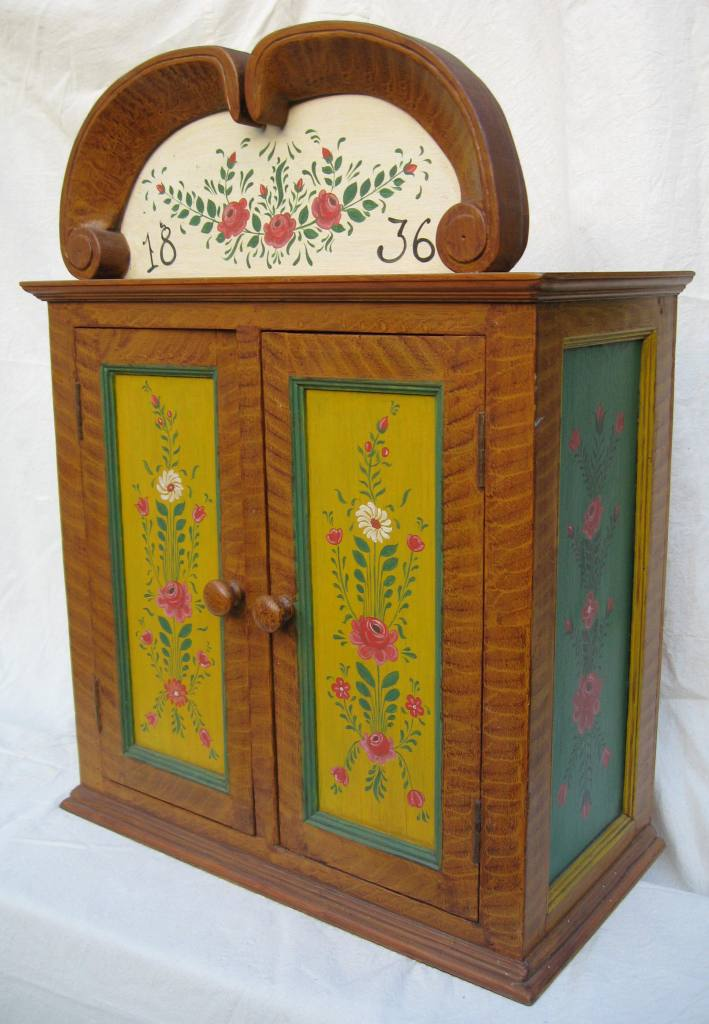 ... Scandinavian painted wall cupboard skap from Finland C18th