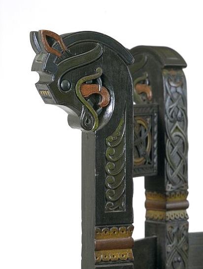 D drinking horn holder marked central shield maiden viking